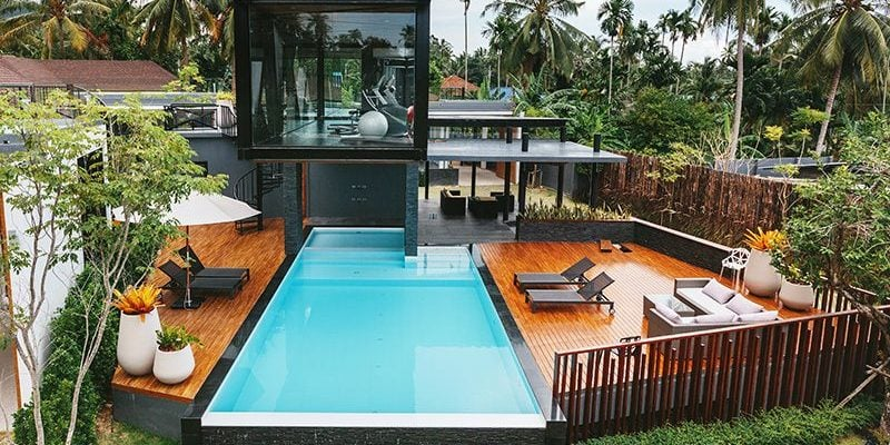How to Make the Above Ground Pool Look Nice?