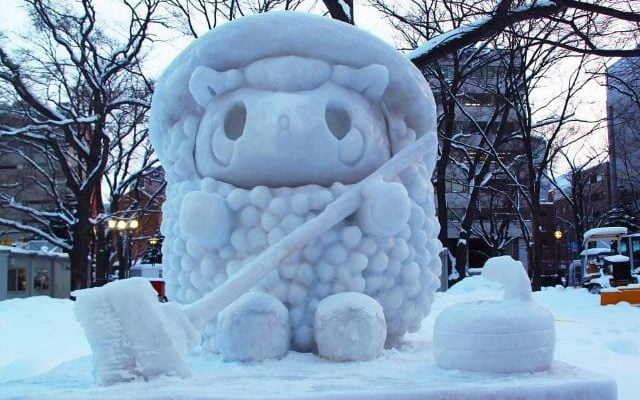 15 Easy to Make Snow Sculptures