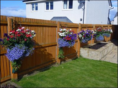 14 Super Unique and Easy to Make Fence Planters