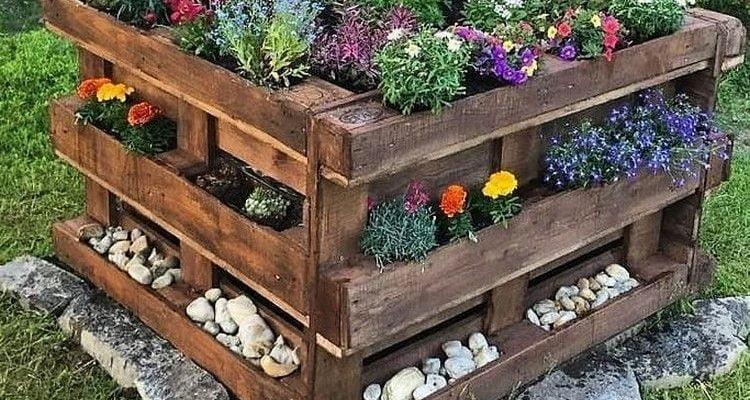 15 Best DIY Garden Pallet Projects