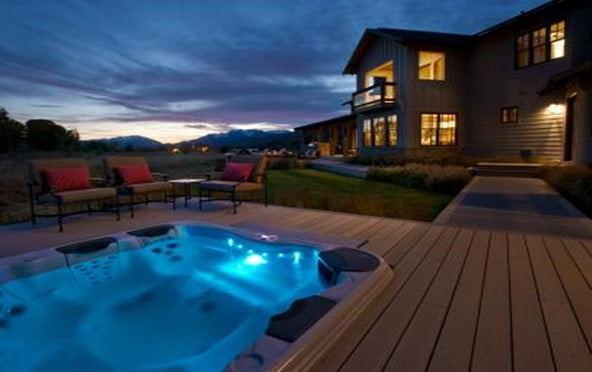 Luxurious Hot tub deck