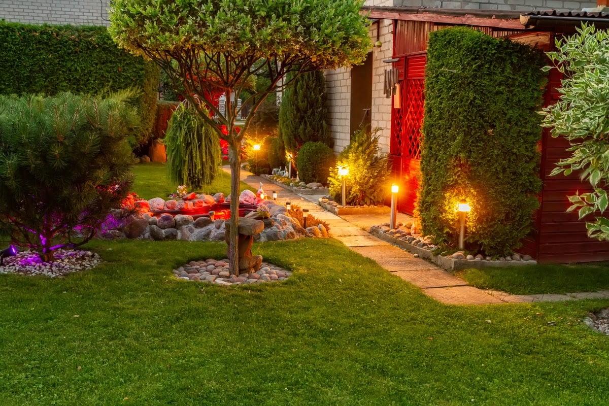 16 Outdoor Solar Light Ideas To Illuminate Your Landscape - Organize With  Sandy