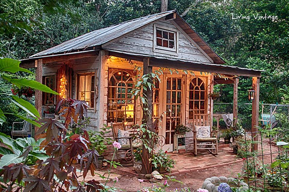 Antique style garden shed