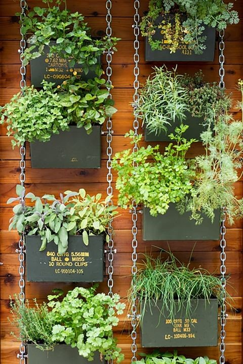 Can Vertical Planter