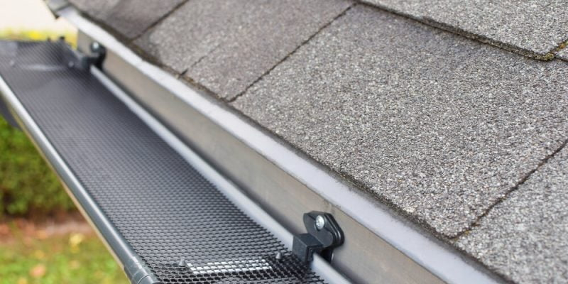 Gutter Guard by Gutterglove vs. EasyOn: Which One to Choose for Your Gutters?