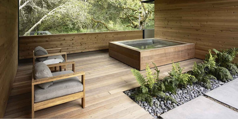 Hot Tub Enclosure with Modern Amenities