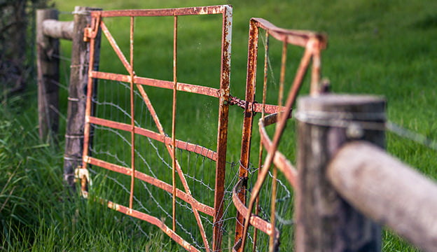 How Do You Fix a Big Sagging Gate?