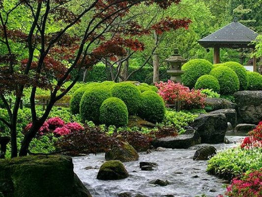 Japanese Garden to Trap Spirits