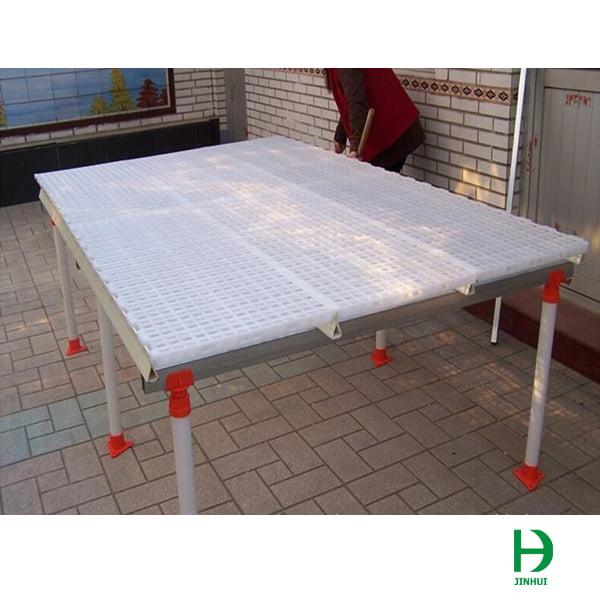 Plastic floor chicken coop