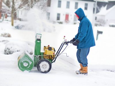 Toro vs. Honda Snowblower, Which One is Best for You?