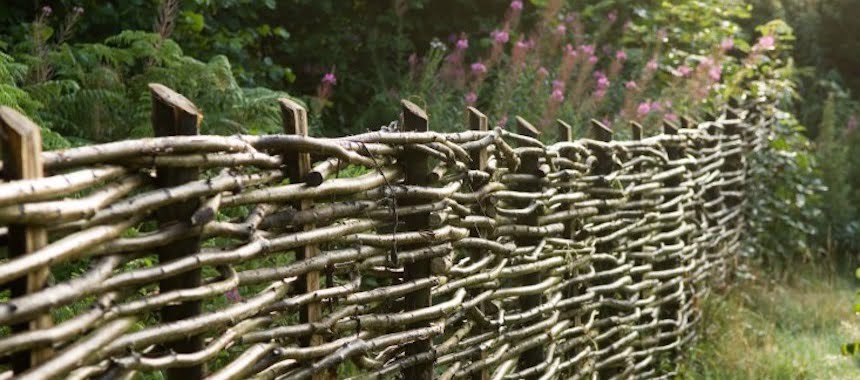 Weaving the Fence Gate