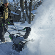 Snow Blowers vs. Leaf Blowers: Clear Snow the Easy Way