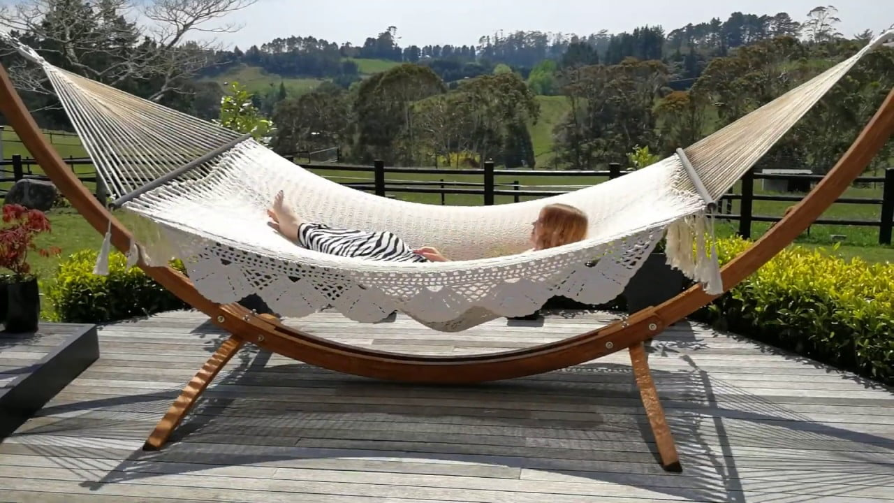 Mexican King-size Spreader Bar Hammock - With Wooden Arc Hammock Stand -  YouTube