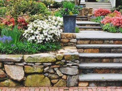 8-Step Guide to Construct a Retaining Wall for Backyard