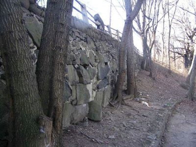 Bulging Retaining Wall