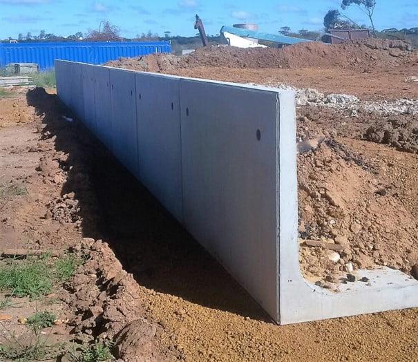 Cantilever Retaining walls of concrete