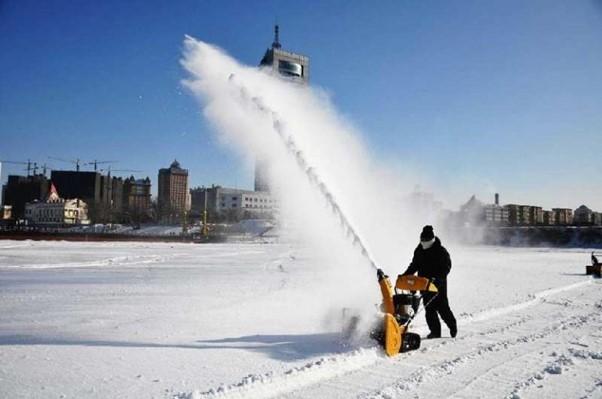 2-stage-snow-blower