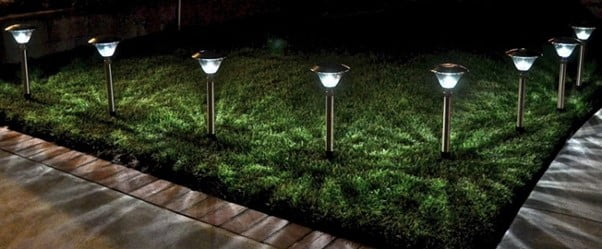 How To Clean and Maintain Outdoor Solar Panels On Garden Lights
