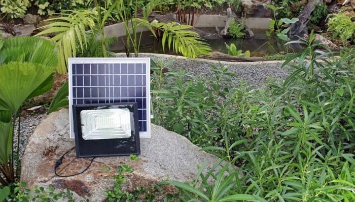 Clean and Maintain Outdoor Solar Panels On Garden Lights