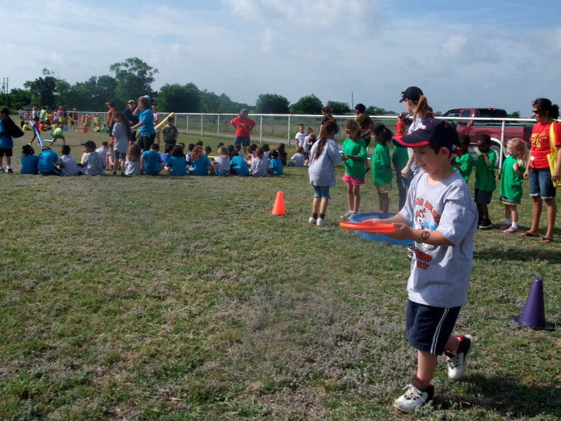 Frisbee Water Race