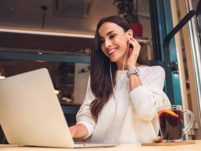 8 Steps to Start an Online Teaching Career while Traveling