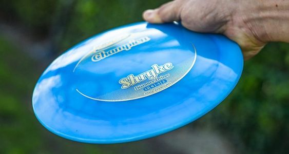 The Ultimate Guide to Throwing a Frisbee Golf Disc Straight