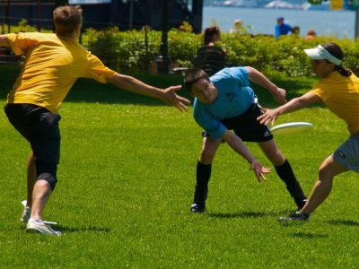 Learn the Basic Rules of Ultimate Frisbee