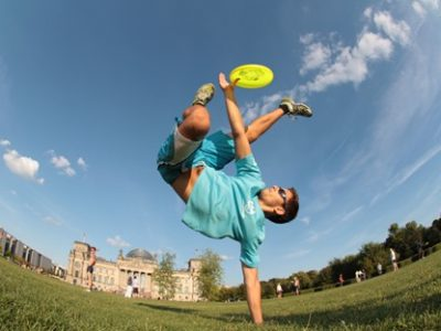 How Did the Frisbee Flying Disc Gets Its Name