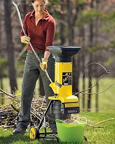 How Much Oil Does a Woodchipper Need