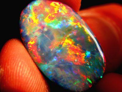 Valuable Rocks Identification Guide