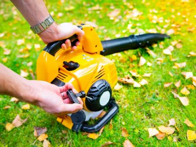 What is a Lawn Vacuum and How to Use it